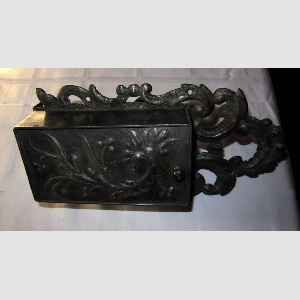 Barock Kastenschloß 18. Jahrhundert Eisen